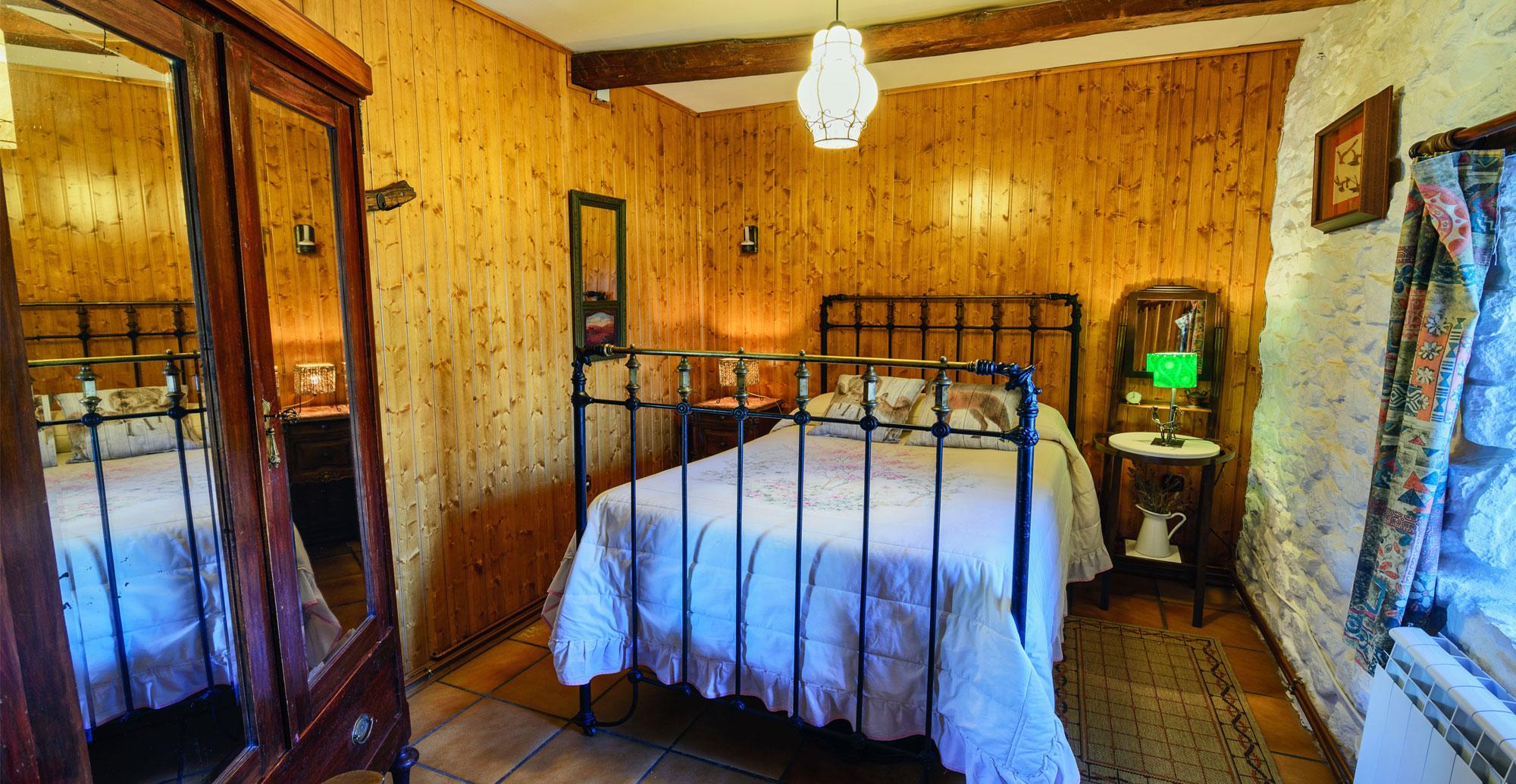 casa-rural-leon-romantica-parejas-dormitorio2-ok