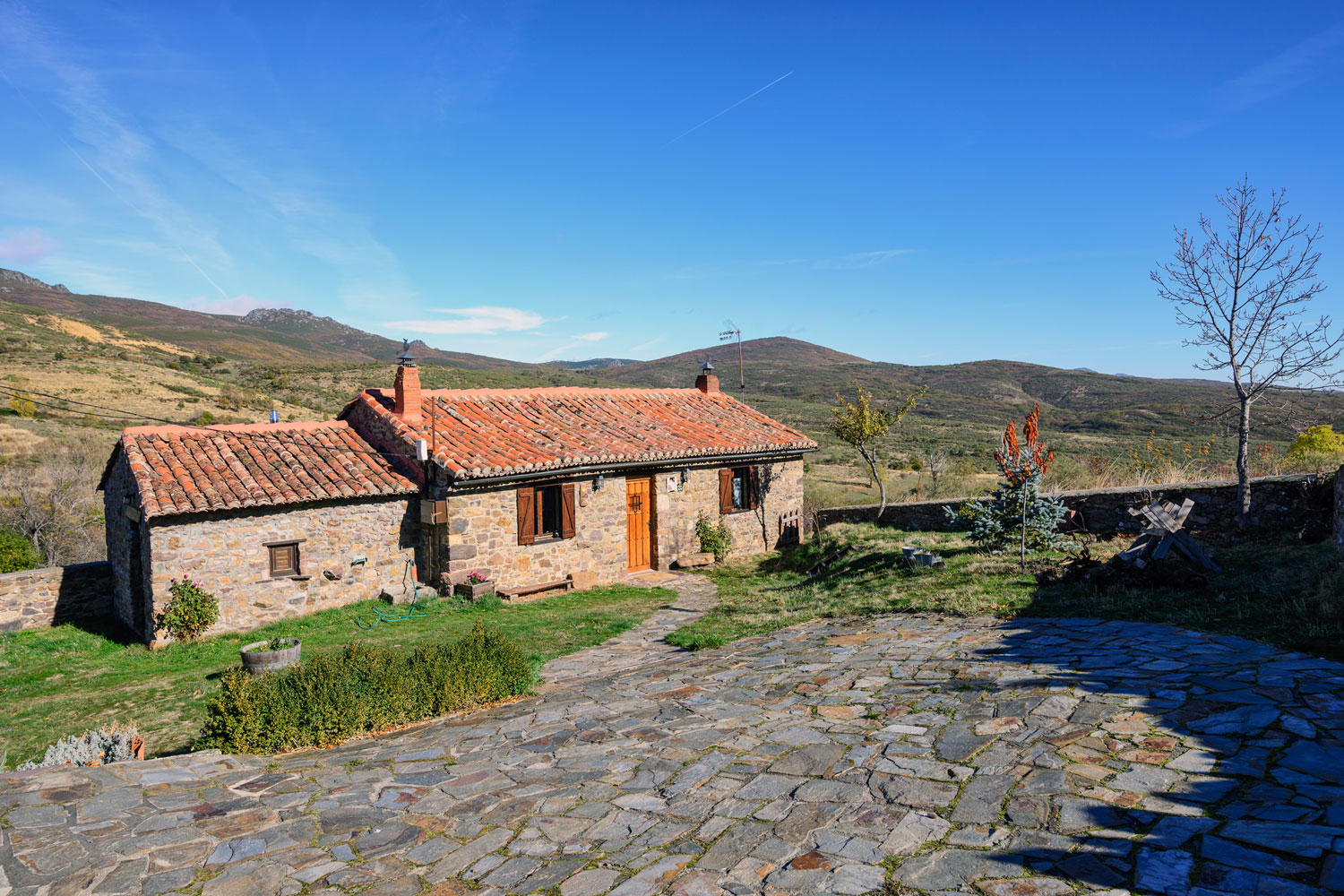 Casa rural la filera rom ntica parejas alta monta a - Casa rural romantica catalunya ...
