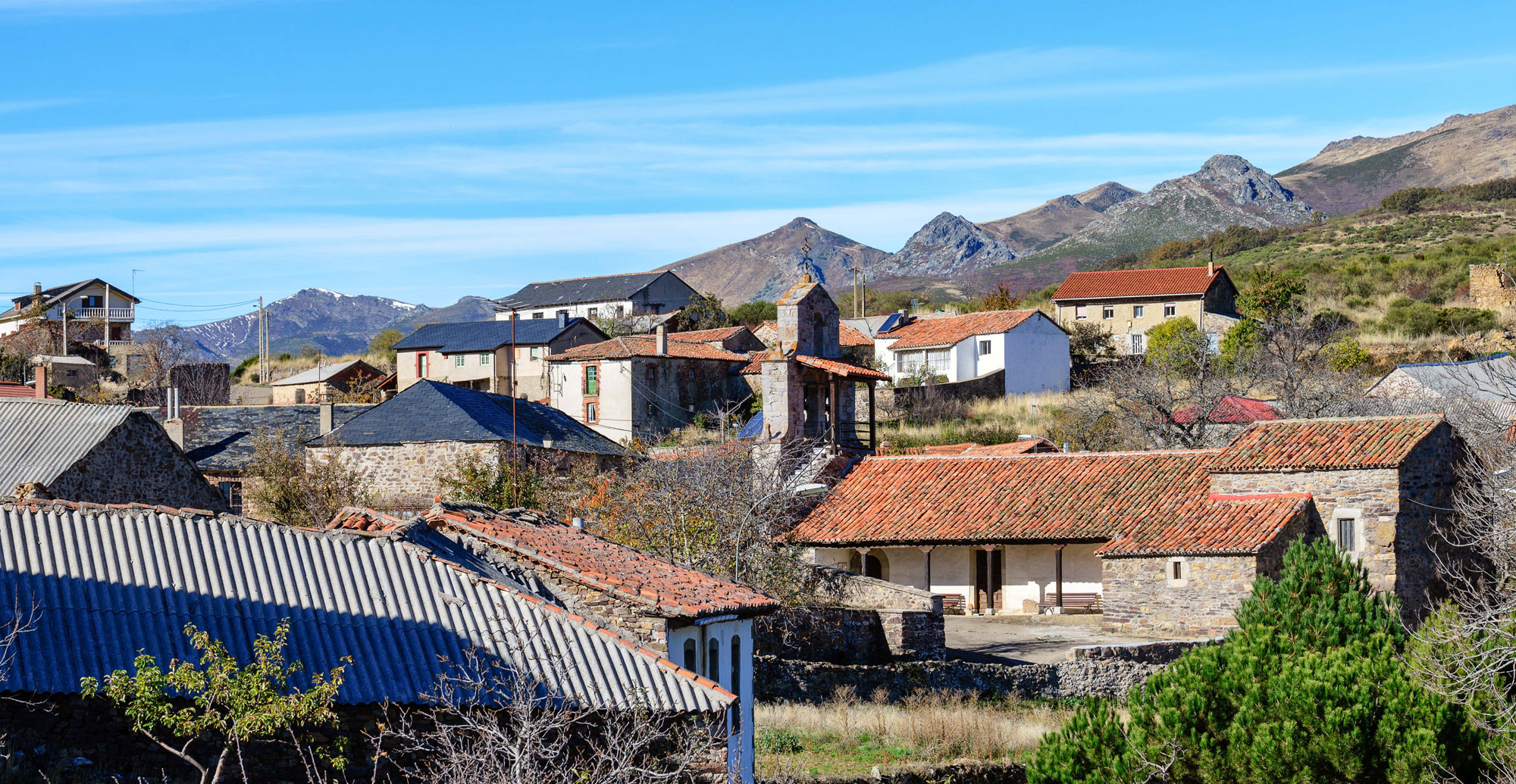 Casa rural la filera rom ntica parejas alta monta a le n casa rural monta a le n - Casa rural romantica catalunya ...